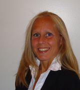 Michelle, Real Estate Agent in Totowa, NJ