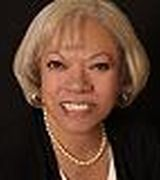 Linda Graves, Real Estate Pro in sOLON, OH