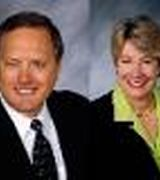 Mike and Lindsay Strand, Real Estate Agent in Minnetonka, MN