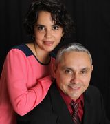 Profile picture for Oscar Gonzalez & Daniela Izaguirre