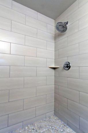 Contemporary 3/4 Bathroom with Delta 3-Spray Showerhead
