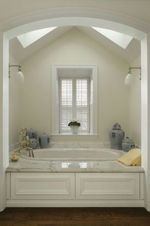 Traditional Master Bathroom with Master bathroom, Oriental Furniture Temple Decorative Urn, Skylight, Wall sconce, Paint 1