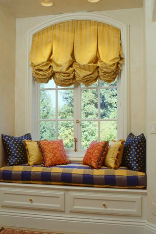 Traditional Living Room with Window seat, Carpet, Fringed toulon curtain yellow