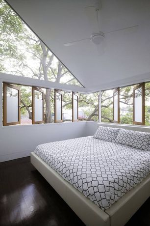 Contemporary Guest Bedroom with High ceiling, Hardwood floors, Quatrefoil Duvet Cover Set, Ceiling fan