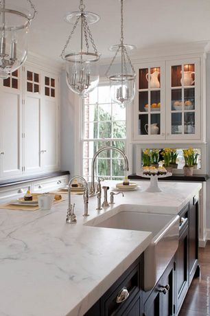 Country Kitchen with Soapstone counters, Complex marble counters, Crown molding, Kitchen island, L-shaped, Farmhouse sink