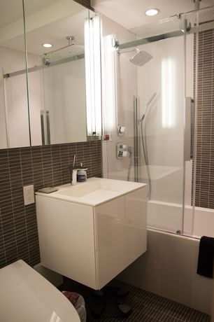 Modern Full Bathroom with Handheld showerhead, Rain shower, frameless showerdoor, tiled wall showerbath, Wall mounted sink