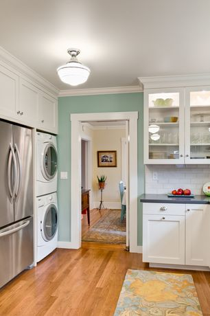 Cottage Kitchen with Apron sink - white, Caesarstone 5000 london grey, White subway tile 3x6 glossy, Stackable washer