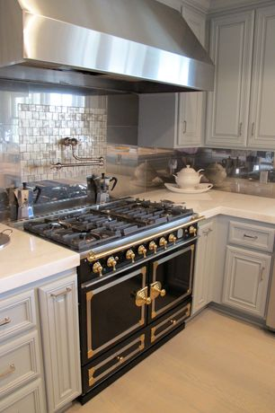 Traditional Kitchen with Glass Tile, L-shaped, Metal Tile, William Sonoma La Cornue FornuFe Stove, Flat panel cabinets