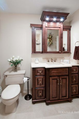 Traditional Full Bathroom with Undermount sink, Standard height, partial backsplash, shower bath combo, can lights, Shower