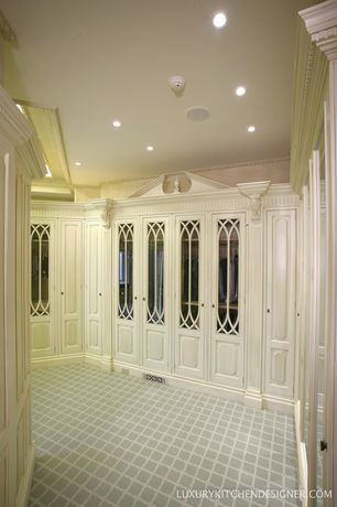 Traditional Closet with Carpet, Paint 1, High ceiling, Crown molding, can lights, Paint 2
