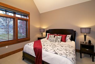 Craftsman Guest Bedroom with High ceiling, Carpet