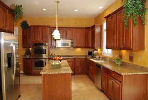 Traditional Kitchen with U-shaped, Stonemark Granite-Granite Countertop in Giallo Veneziano, High ceiling, Kitchen island