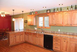 Traditional Kitchen with Breakfast bar, Casement, can lights, partial backsplash, Pendant light, Breakfast nook, dishwasher
