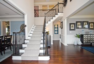 Traditional Staircase with Laminate floors, High ceiling