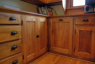 Craftsman Kitchen with Paint, Wood cabinets, Hardwood floors, Dynasty hardware - shaker style cabinet pull
