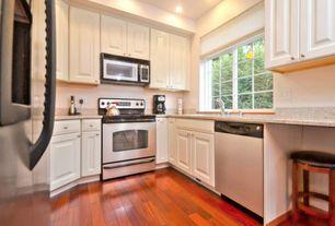 Traditional Kitchen with Flush, U-shaped, Breakfast bar, Simple Granite, Raised panel, Undermount sink