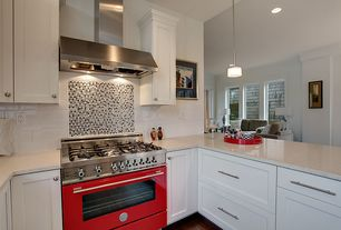 Traditional Kitchen with Open concept, 12-1/2 in. stainless-steel finish bar pull, Subway Tile, Shaker style cabinetry