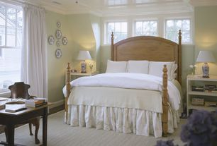 Cottage Guest Bedroom with Standard height, Ceiling fan, Crown molding, double-hung window, Carpet, Casement