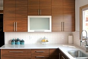 Modern Kitchen with Schwinn hardware 59107 cabinet handle pull, Daltile matte white with 01 white matte dot 6501, Mosaic tile