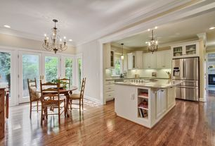 Traditional Kitchen with electric cooktop, dishwasher, Built In Refrigerator, Willow Chandelier, Kitchen island, Chandelier