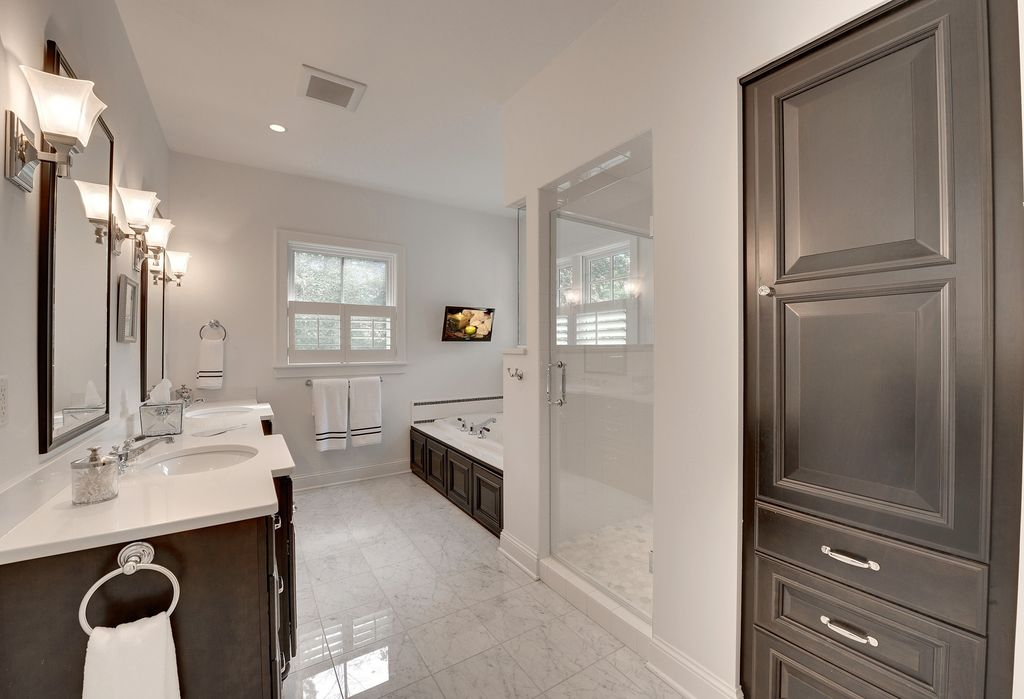 Contemporary Master Bathroom with Double sink, frameless showerdoor, Master bathroom, Simple Marble, Frameless, Raised panel