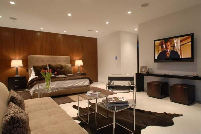 Great contemporary master bedroom zillow digs for Celebrity master bedroom designs