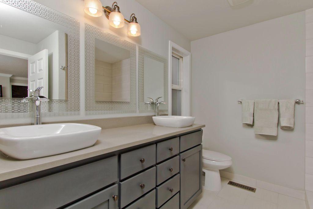Contemporary Full Bathroom with Kraus Ceramic Rectangular Bathroom Sink & Ramus Single Lever Faucet  (, Flat panel cabinets