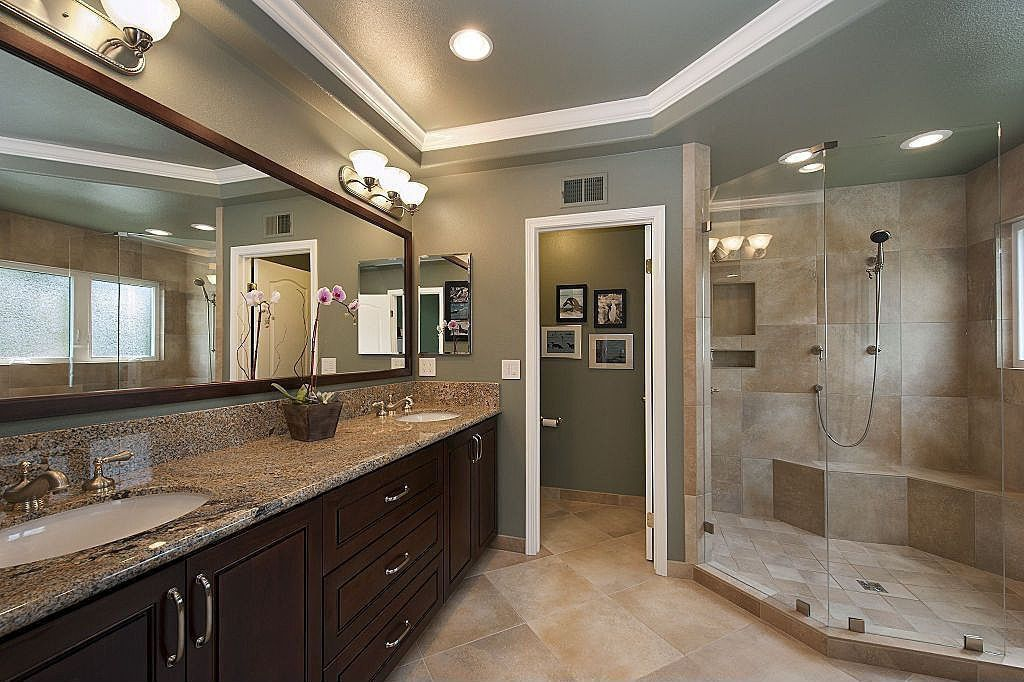 Traditional Master Bathroom with partial backsplash, Ms international granite- autumn harmony, Handheld showerhead, Shower