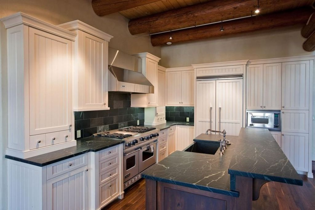 Cottage Kitchen with Large Ceramic Tile, Farmhouse sink, L-shaped, built-in microwave, High ceiling, double oven range