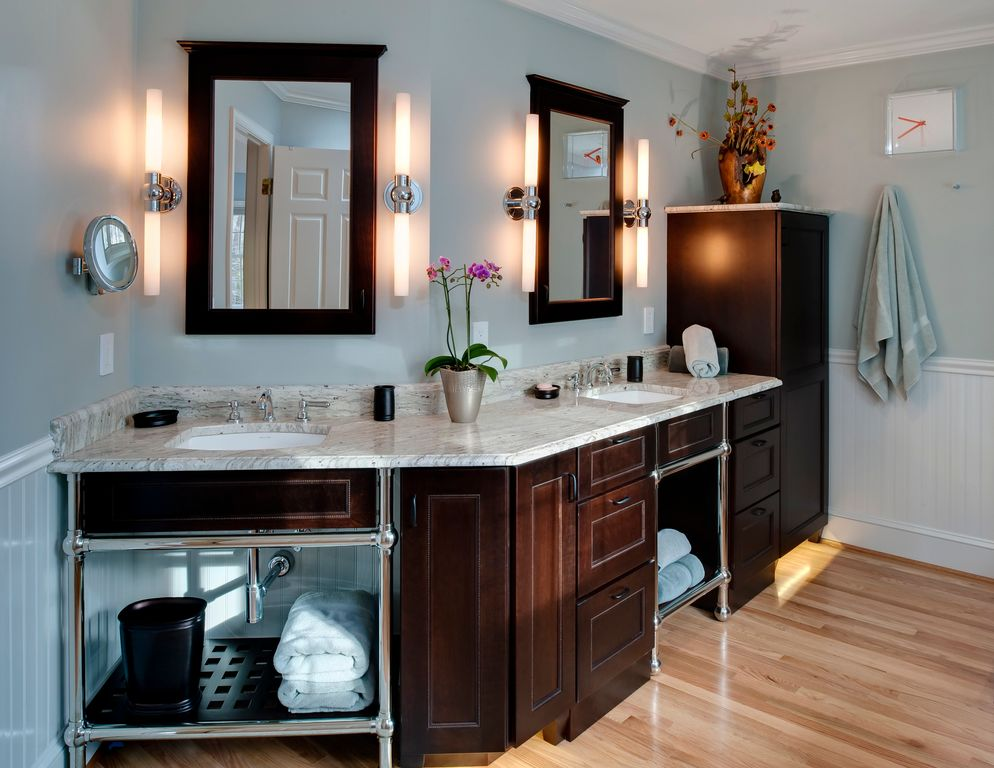 Modern Master Bathroom with Framed Partial Panel, Wall sconce, Simple Marble, Standard height, six panel door, Crown molding
