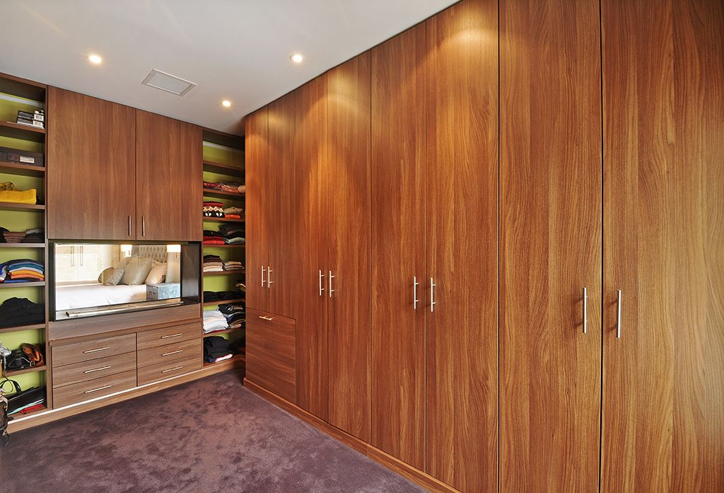Contemporary Closet with Carpet, Standard height, can lights, Built-in bookshelf