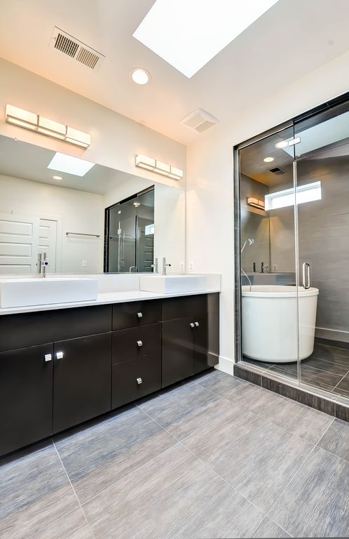 Great Master Bathroom Zillow Digs