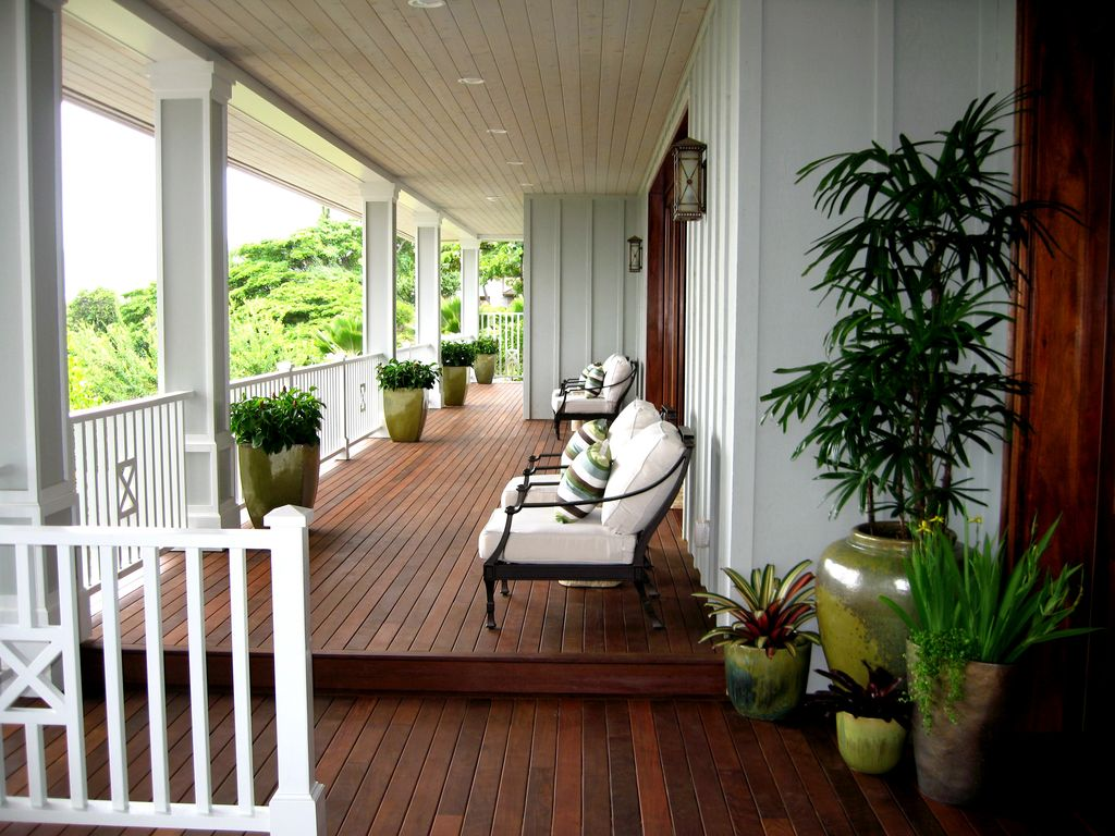 Tropical Porch with Wrap around porch, Deck Railing