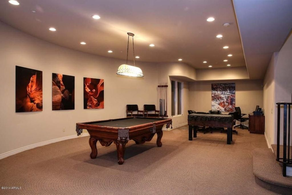 Contemporary Game Room with Standard height, Pendant light, can lights, Carpet, Casement