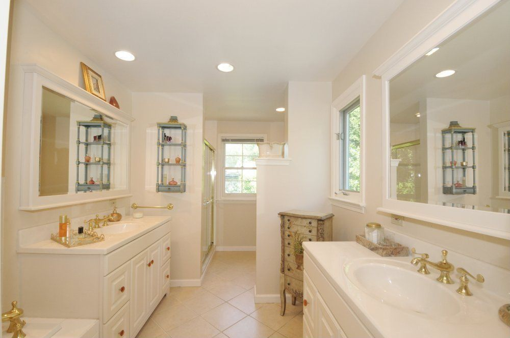 Traditional Full Bathroom with Casement, can lights, Concrete tile , Powder room, Undermount sink, Standard height, Frameless