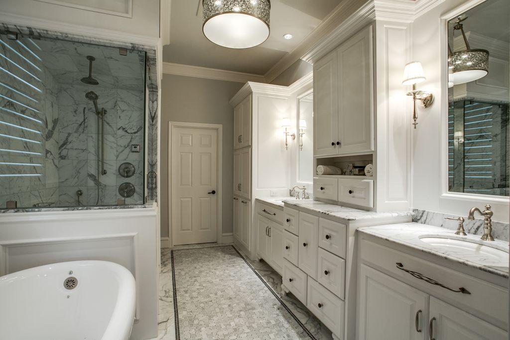 Traditional Master Bathroom with Standard height, ceramic tile floors, Master bathroom, Shower, Rain shower, Pendant light