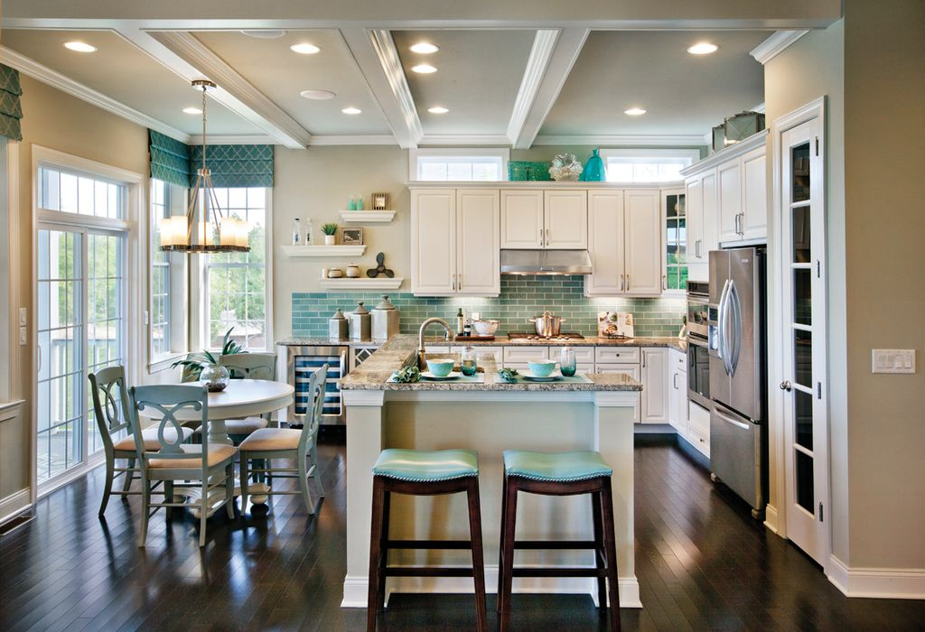 How to make your house look traditional zillow digs for Zillow kitchens