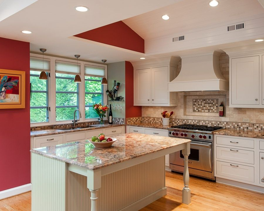 Cottage Kitchen with partial backsplash, L-shaped, Ceramic Tile, Kitchen island, can lights, Casement, High ceiling