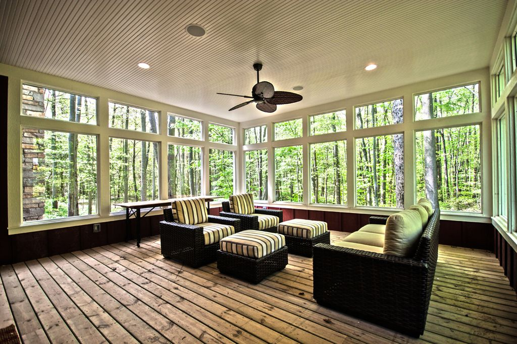Traditional Porch with Casement, picture window, Screened porch