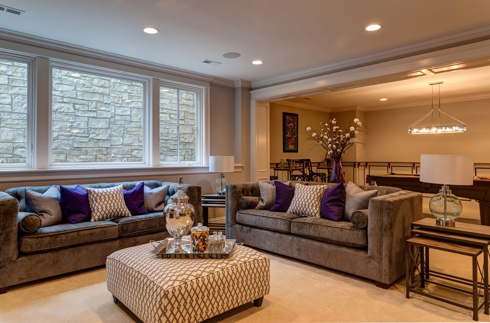 Contemporary Living Room with Crown molding, can lights, Carpet, Standard height, Casement