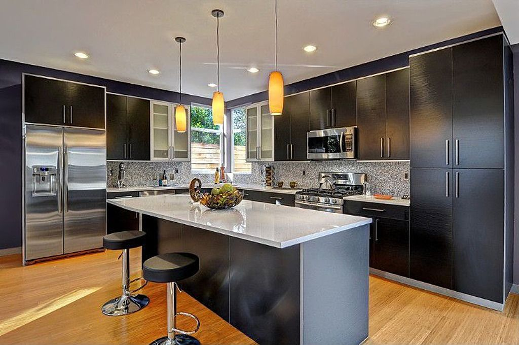 Contemporary Kitchen with Daltile Stone Radiance Glacier Gray 12 in. x 12 in. x 8 mm Glass and Stone Mosaic Blend Wall Tile
