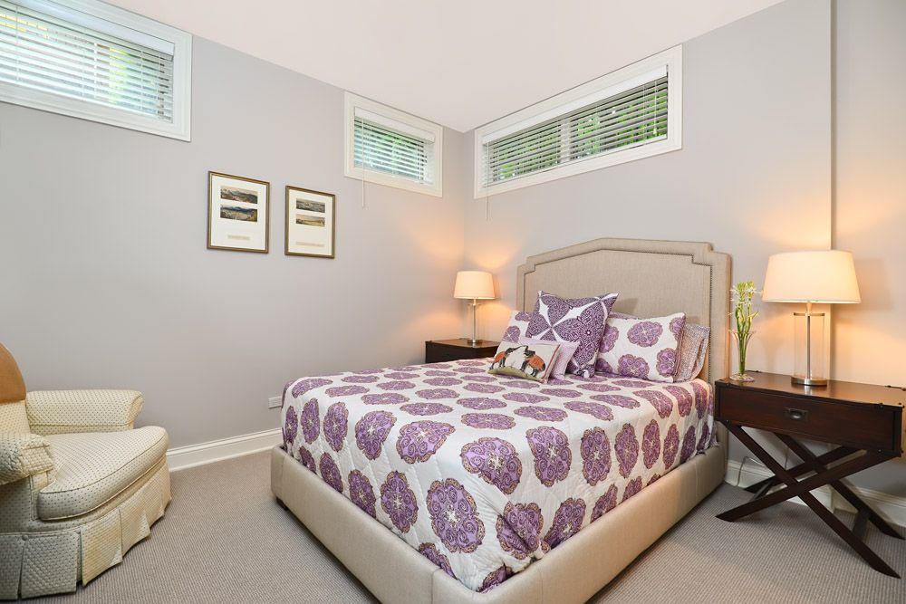 Traditional Guest Bedroom with Standard height, picture window, Carpet