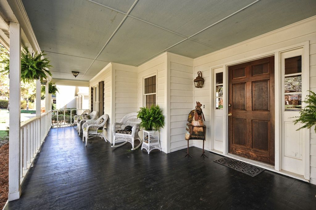 Cottage Porch with Screened porch, Pier 1 imports - santa barbara seating collection, Ebony stained wood deck, Pathway