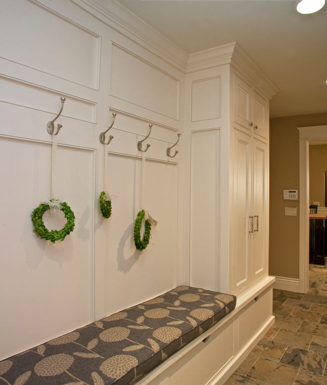 Traditional Mud Room with Crown molding, stone tile floors, travertine tile floors, can lights, Paint 1, Paint, Seat coushion