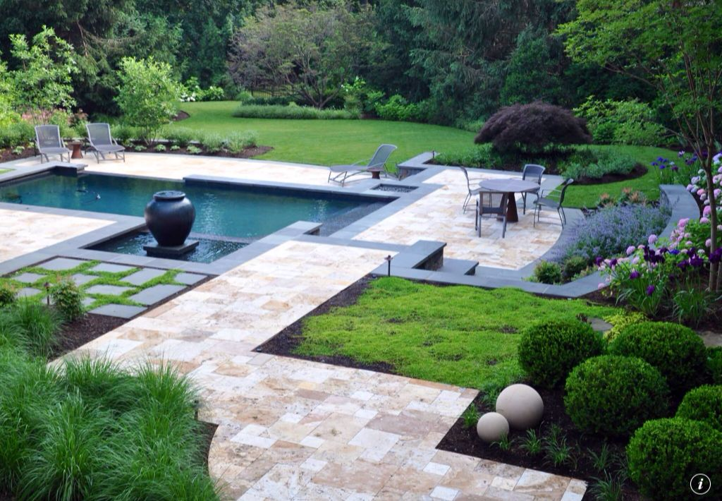 Contemporary Swimming Pool with Pool with hot tub, Pathway, Bird bath, Fence