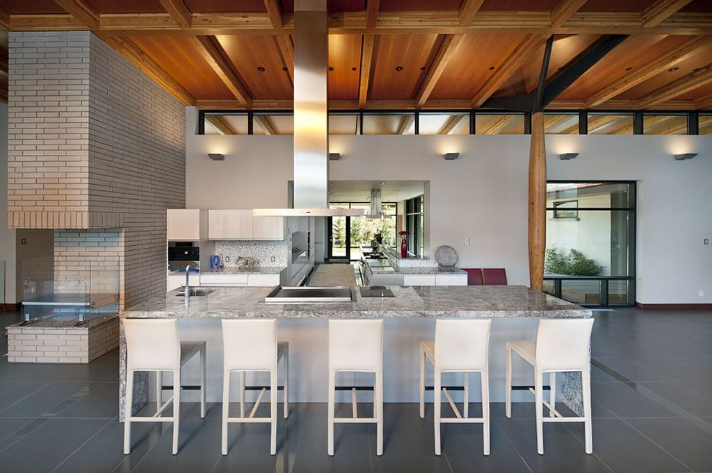 Contemporary Kitchen with Kitchen island, Breakfast bar, Pental - parc porcelain in concrete polished, Box ceiling, L-shaped