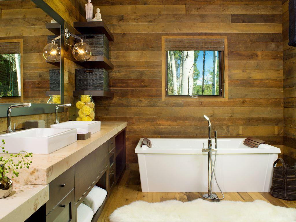 Modern Master Bathroom with Flush, Flat panel cabinets, Master bathroom, Carpet, Seashell, Quartz, Freestanding, High ceiling
