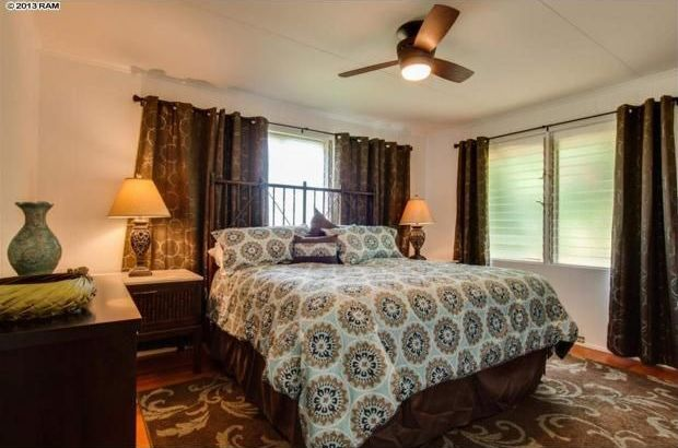 Traditional Master Bedroom with Crown molding, Hardwood floors, Ceiling fan, Casement, Standard height