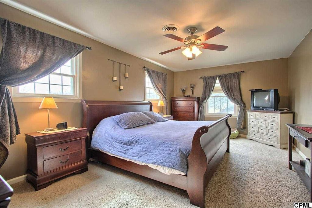 Master Bedroom with Carpet, Ceiling fan, Standard height, double-hung window