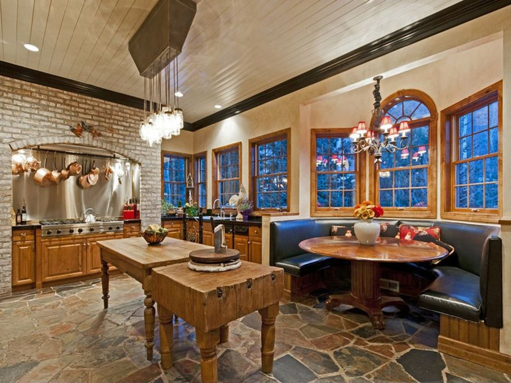 Country Kitchen with Breakfast nook, Undermount sink, Stainless Steel, Paint 2, electric cooktop, double-hung window, Flush